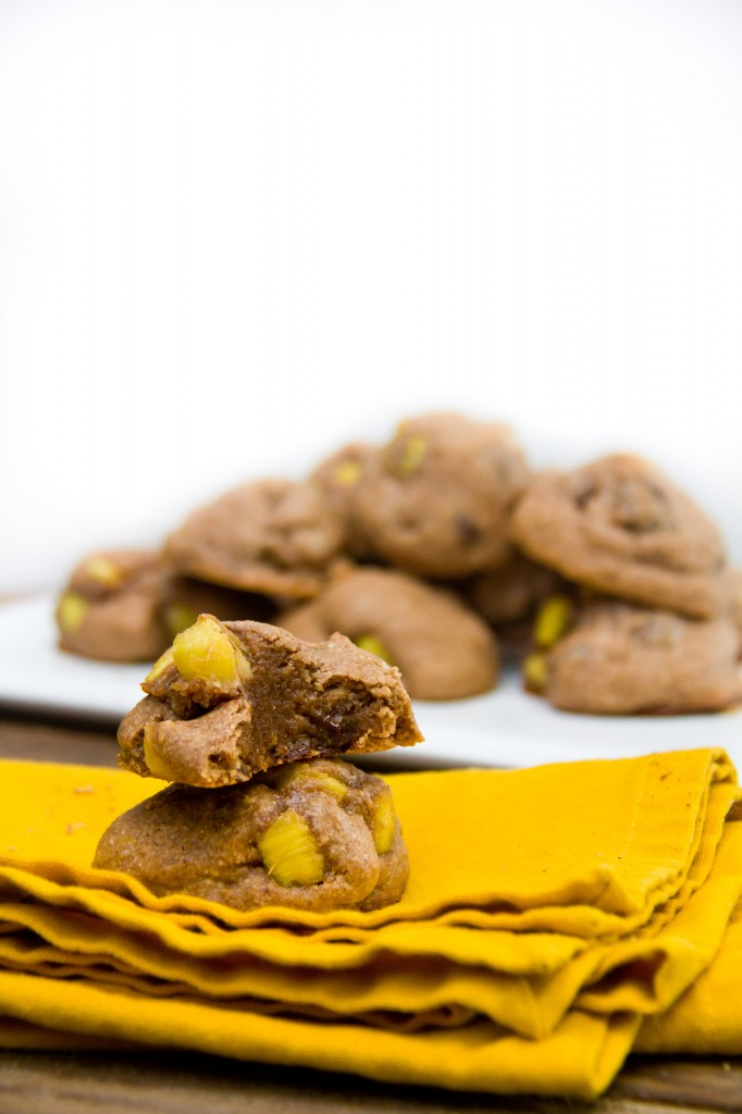 Pineapple-caramel stuffed cookies