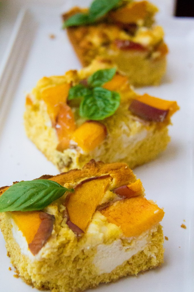 Honey Cornbread with Peaches, Ricotta and Basil (7 of 7)