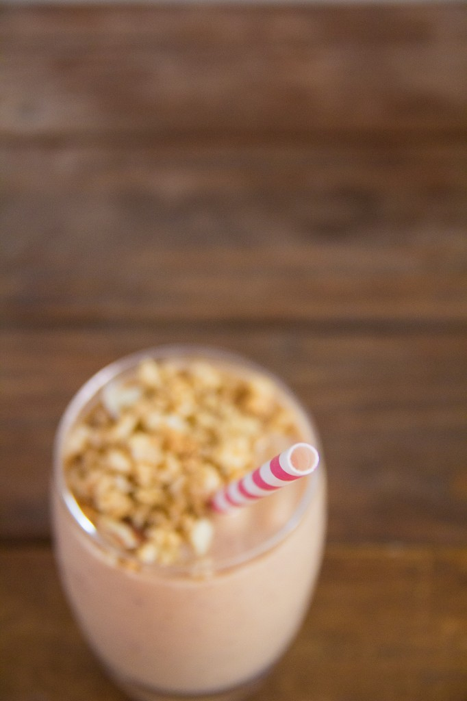 Peach Pie Granola Shake (1 of 8)