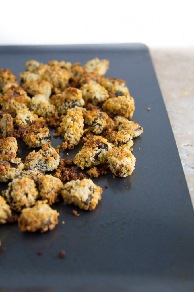 Mushroom Burgers with Crispy Mushrooms and BBQ Roasted Garlic Gorgonzola Sauce-5