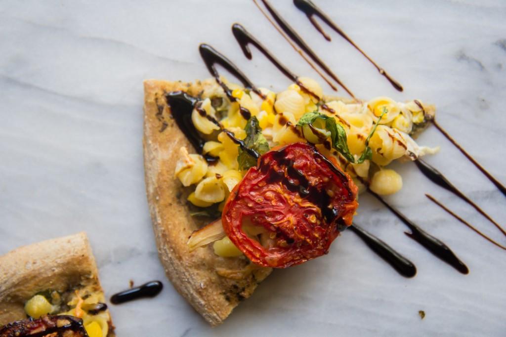 Pesto Mac n' Cheese Pizza-10