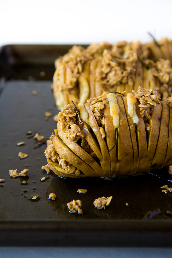 Cheddar Rosemary Sweet Potatoes with Oatmeal Crumble-4