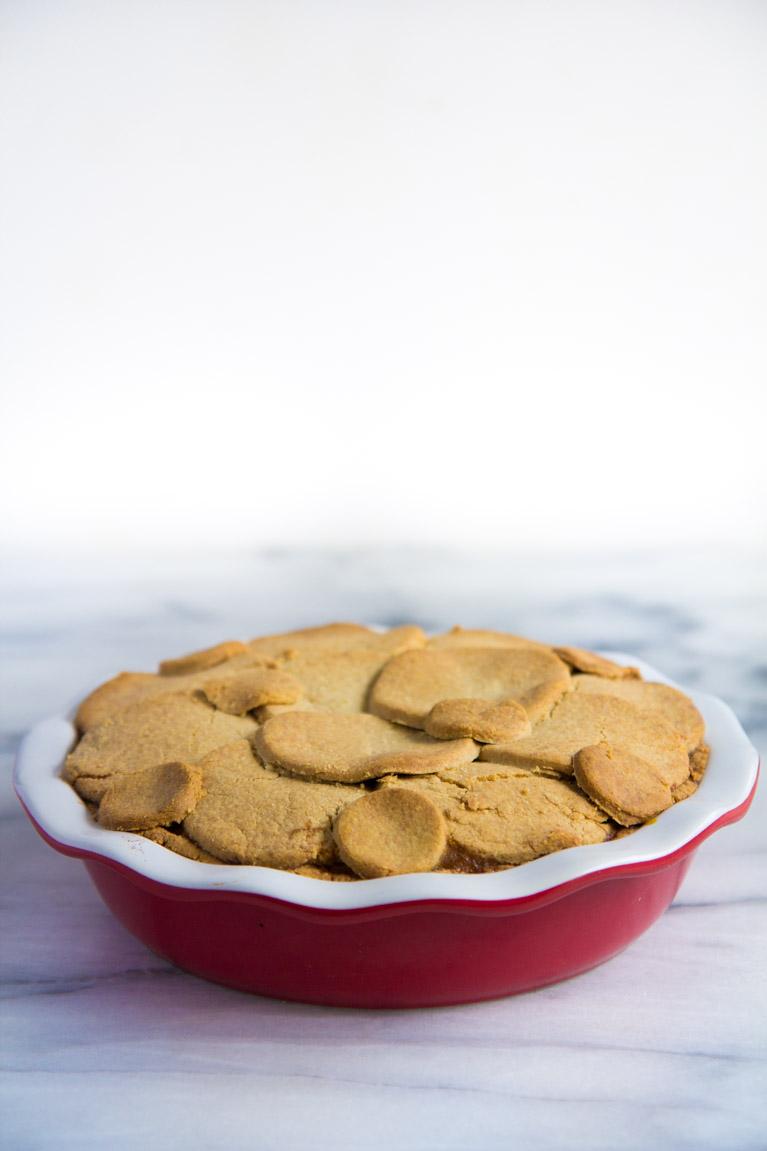 Simple Almond Flour Pie Crust! Looks fancy but really easy!! #glutenfree