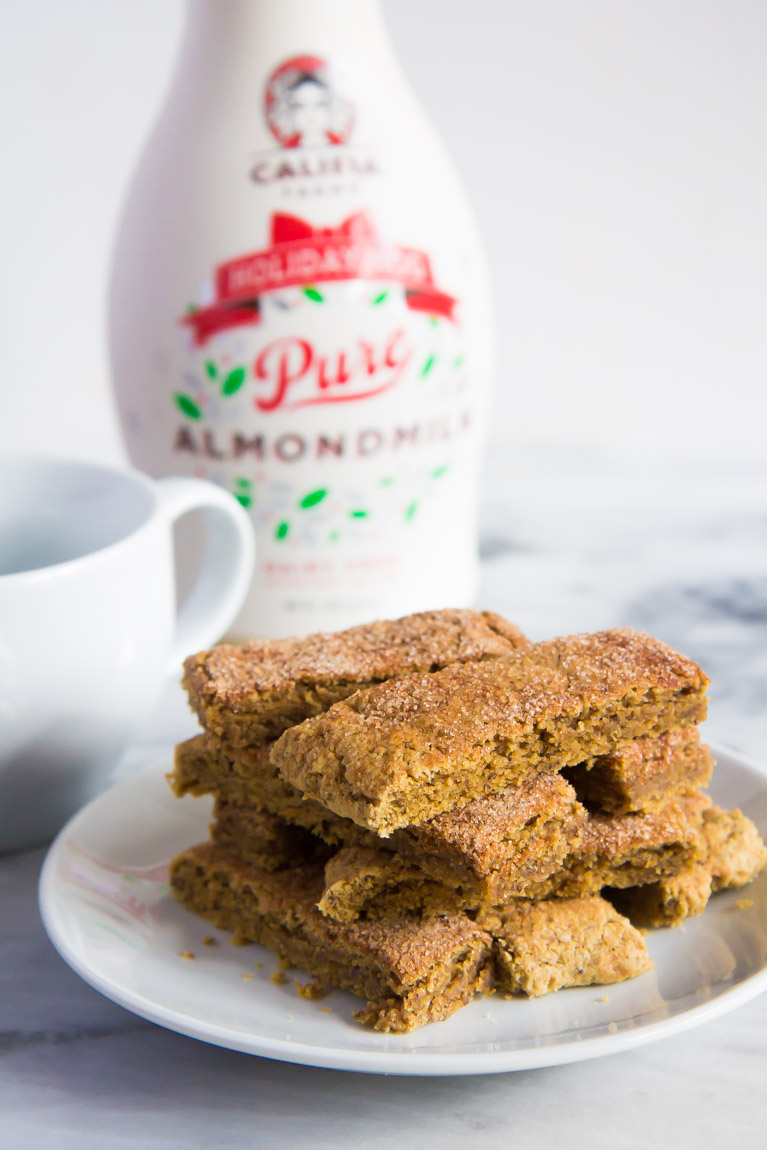 Almondmilk & Cookie Pairings for Santa:  Califia Farms Holiday Nog + Snickerdoodle Nog Cookie Sticks.  #glutenfree #vegan
