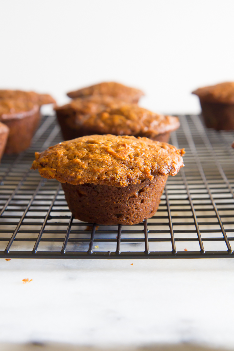 Morning Glory Muffins made with oat flour, greek yogurt & honey! Refined-sugar free! #breakfast #healthy
