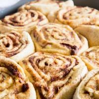 30-minute Healthier Cinnamon Rolls \\ immaEatThat