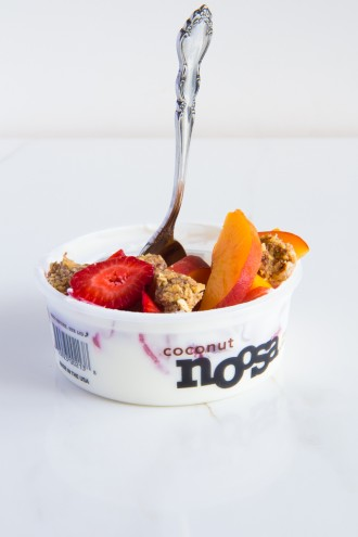 How to eat 7 servings of fruits & veggies-morning snack \\ yogurt + fruit + oatmeal ball crumbles