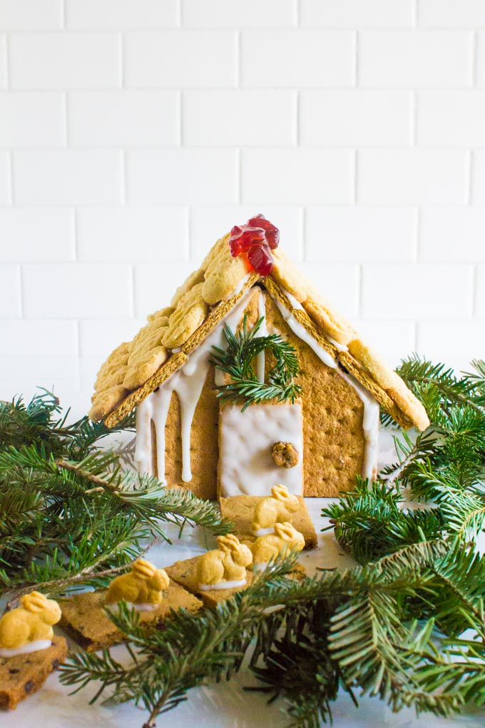 easy graham cracker gingerbread house | immaEATthat.com