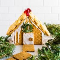 graham cracker gingerbread house | immaEATthat.com