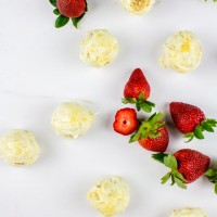 strawberry champagne white chocolate cake balls | immaEATthat.com
