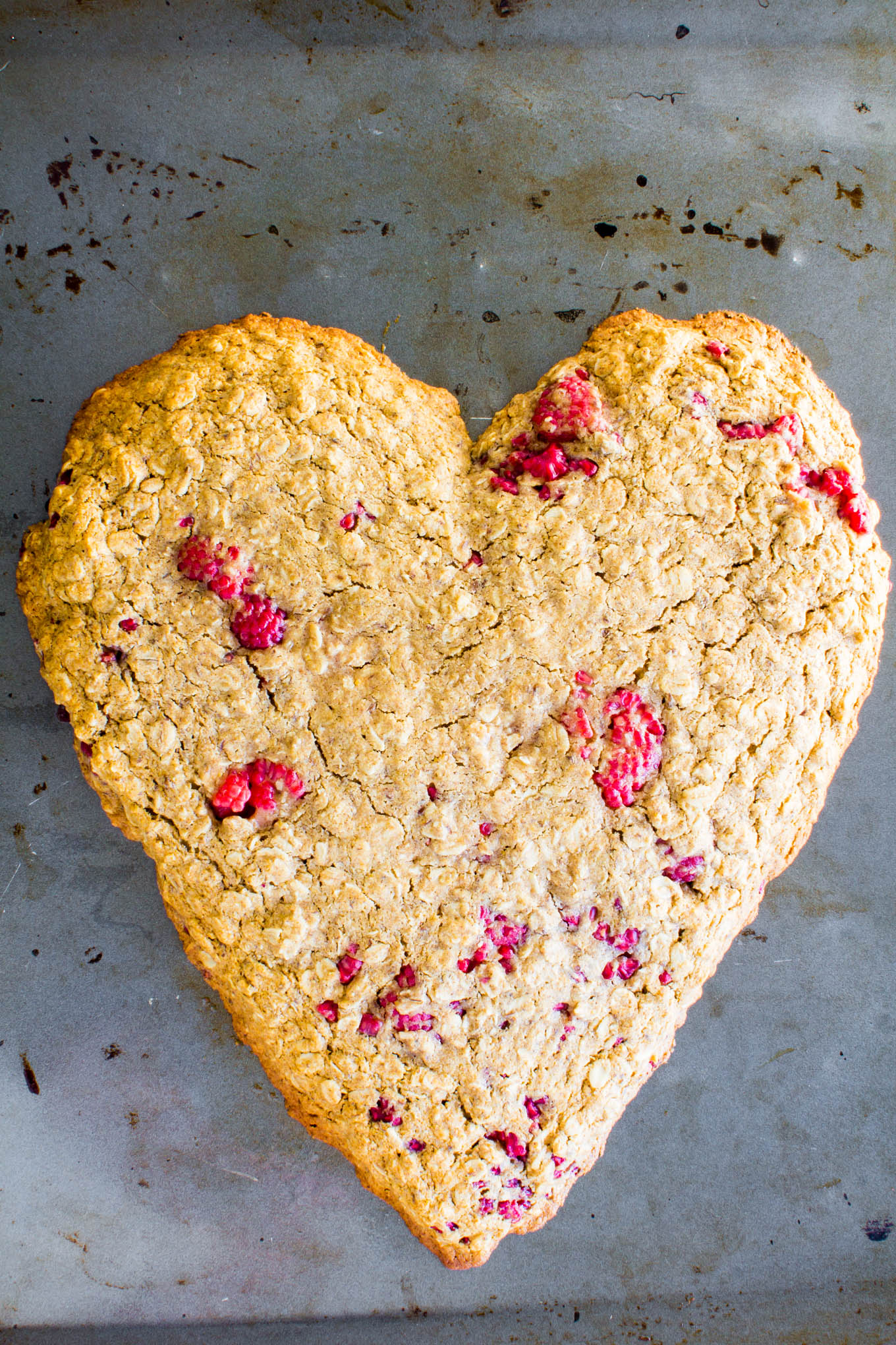 heart-shaped oatmeal breakfast cookie | immaEATthat.com