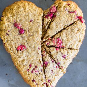 heart-shaped oatmeal breakfast cookie | immaEATthat.com