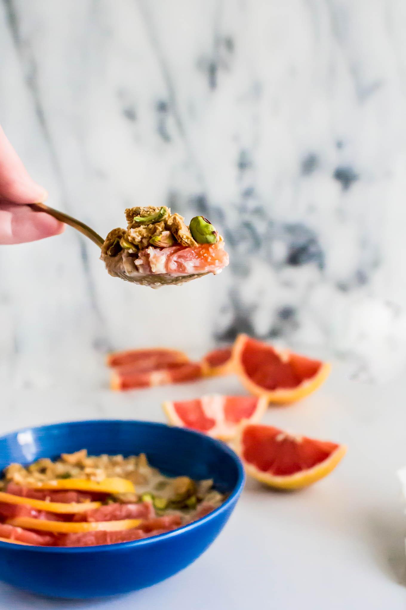graham cracker muesli with grapefruit slices | immaEATthat.com