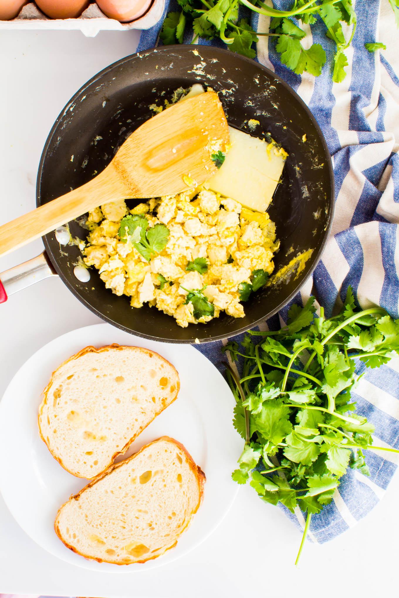 tofu scramble breakfast sandwich | immaEATthat.com