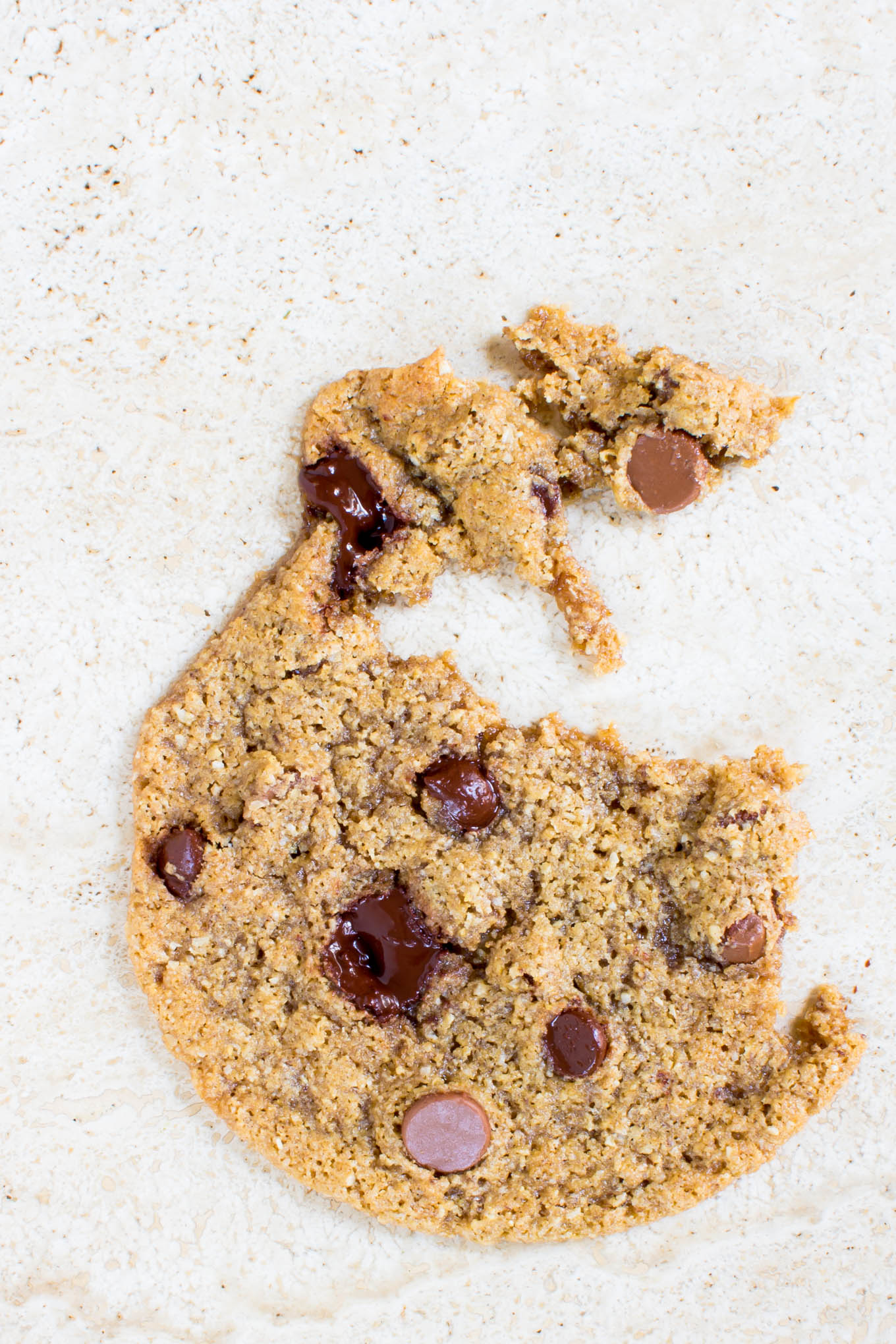 über thin & chewy chocolate chip cookies | immaEATthat.com