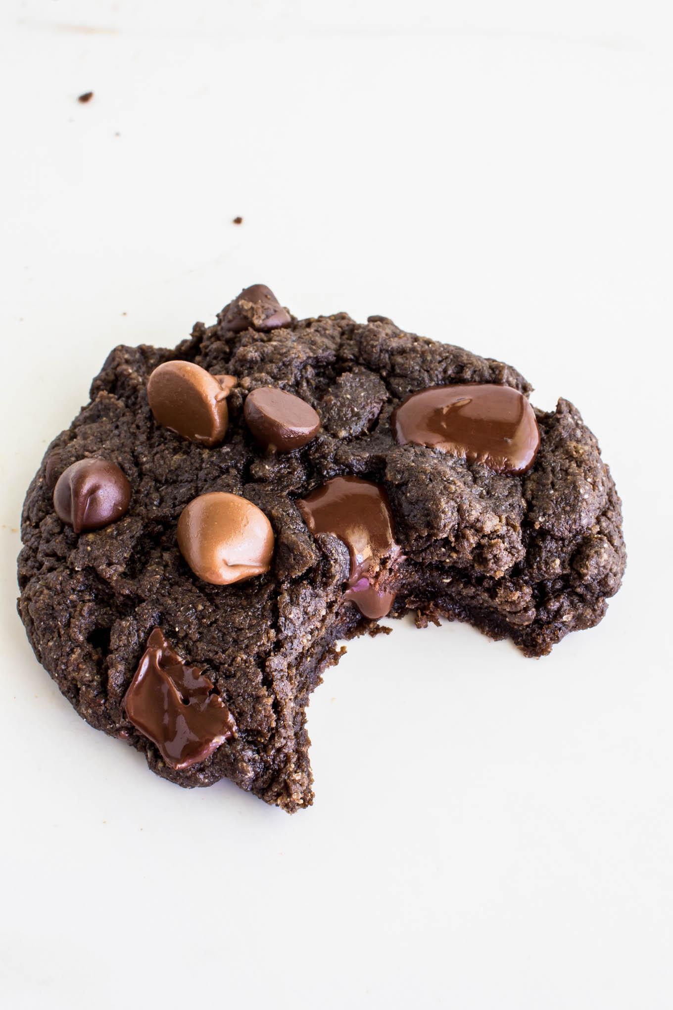 fudgy vegan triple chocolate cookies | immaEATthat.com