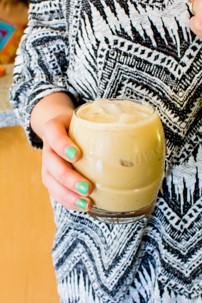 iced latte + painted nails | immaEATthat.com