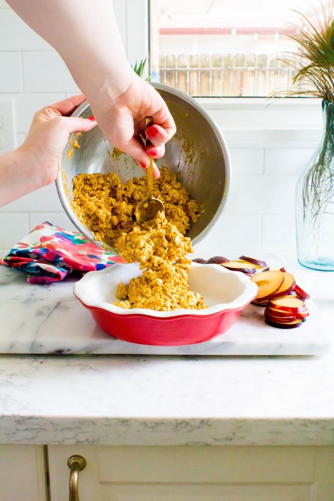 plum & pumpkin snickerdoodle baked oatmeal | immaEATthat.com