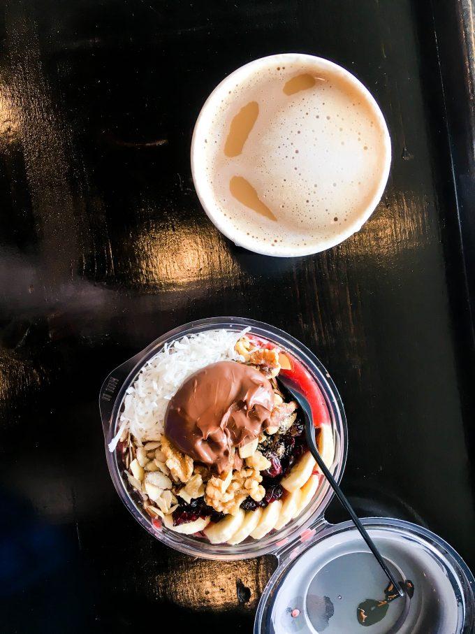 acai bowl + latte = breakfast | immaEATthat.com
