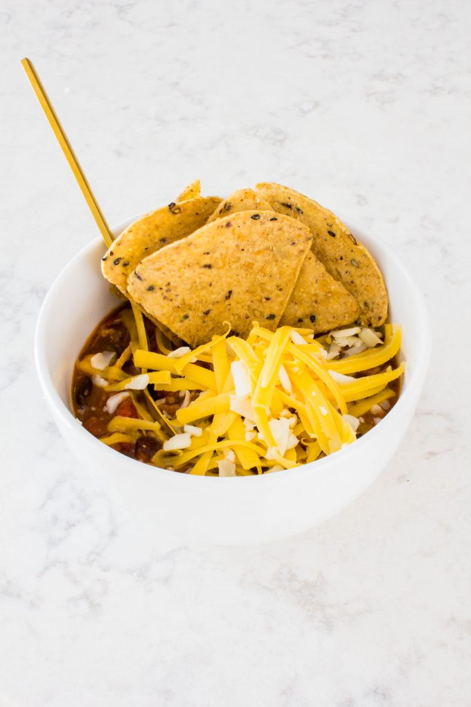 The easiest taco soup of your life makes the perfect healthy dinner. Only 6 ingredients! | immaEATthat.com