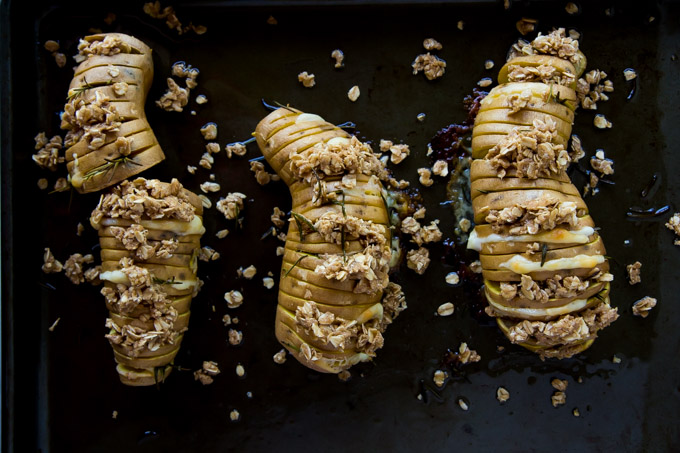 Cheddar Rosemary Sweet Potatoes with Oatmeal Crumble-8