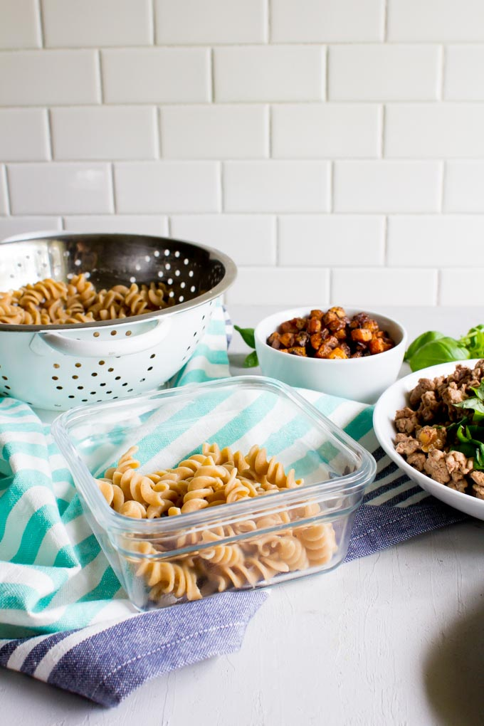 Chicken butternut squash pasta. AND there's goat cheese. Perfect recipe for weekend meal prep to eat for lunches throughout the week.   immaEATthat