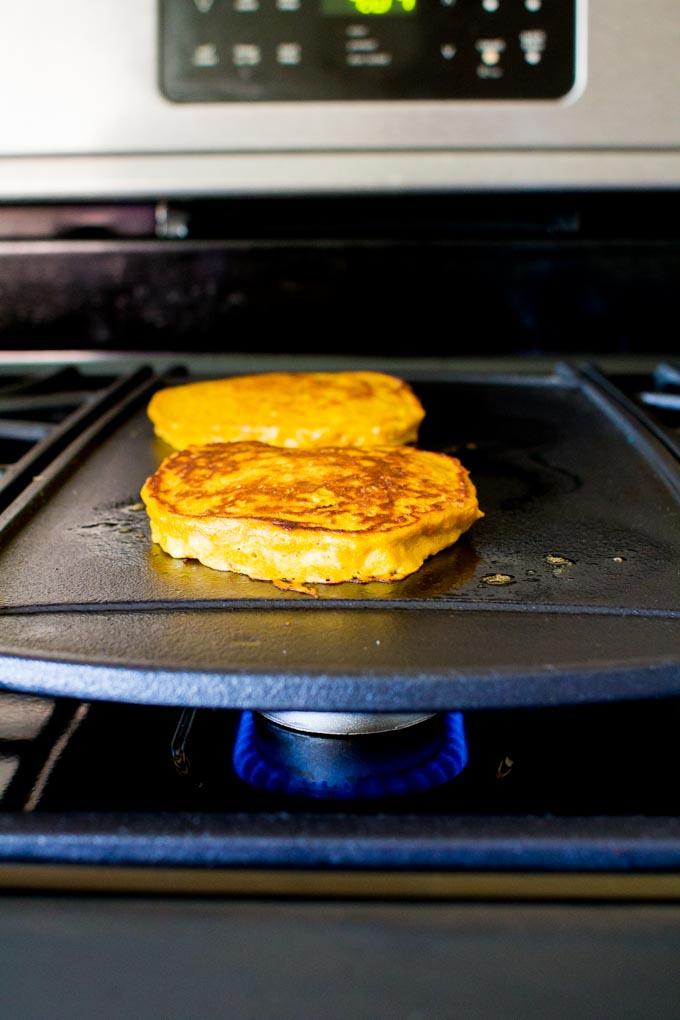 pumpkin oatmeal pancakes for ONE! | immaEATthat.com