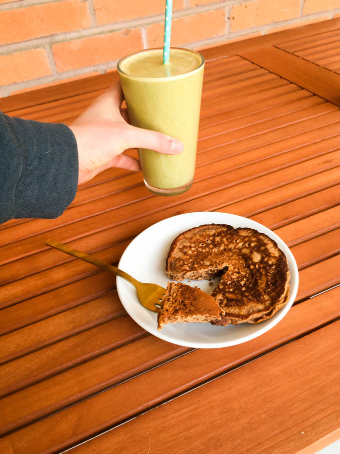 chocolate chip pancake + green almond butter smoothie | immaEATthat.com