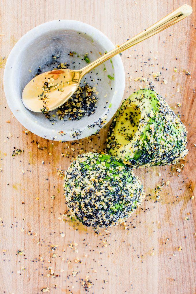 everything bagel breakfast avocado-wich | immaEATthat.com